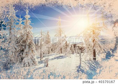 背景 背景イラスト 空 輝く きれい 雪 冬 クリスマス 模様の写真素材 Pixta